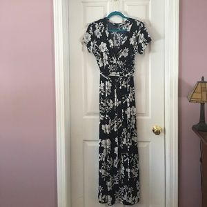 Dresses & Skirts - Navy floral maxi dress